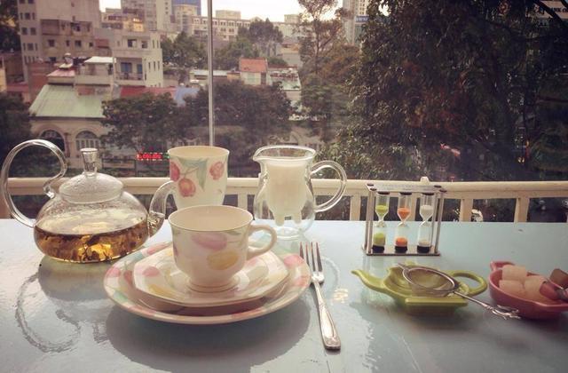 5 địa điểm uống cà phê và ngắm phố đi bộ từ trên cao ở Sài Gòn - 2