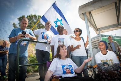 Gabinete israelense aprova acordo com a Turquia apesar da pressão das famílias de israelenses detidos em Gaza