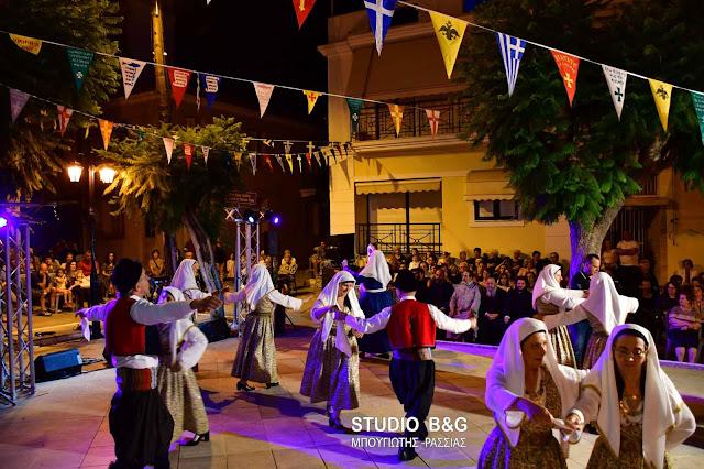 Με μουσικοχορευτική εκδηλωση έληξαν οι εορτασμοί του Αγίου Πνεύματος στο Ναύπλιο (βίντεο)