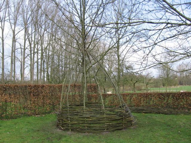 Populair CYNtuinen tuinontwerp & -advies: Bouwen van een hut met wilgentenen MY91