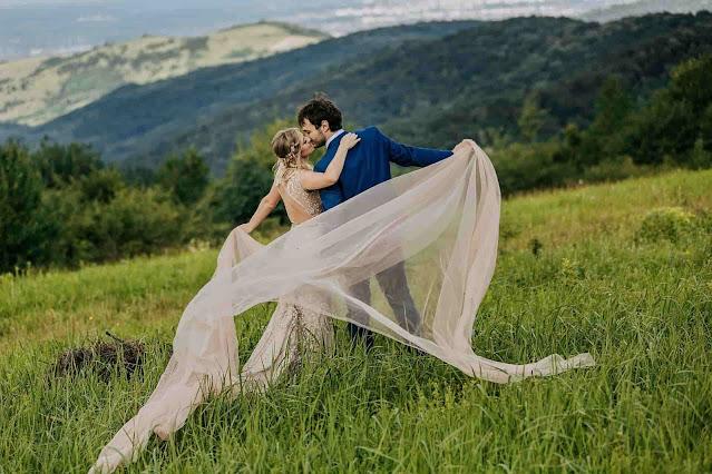 Figure 1. Besos de amor - sybcodex.com