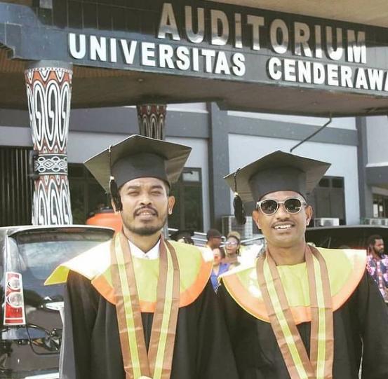 Pemuda Papua Membiayai Kuliah Sebagai Penarik Odong-odong
