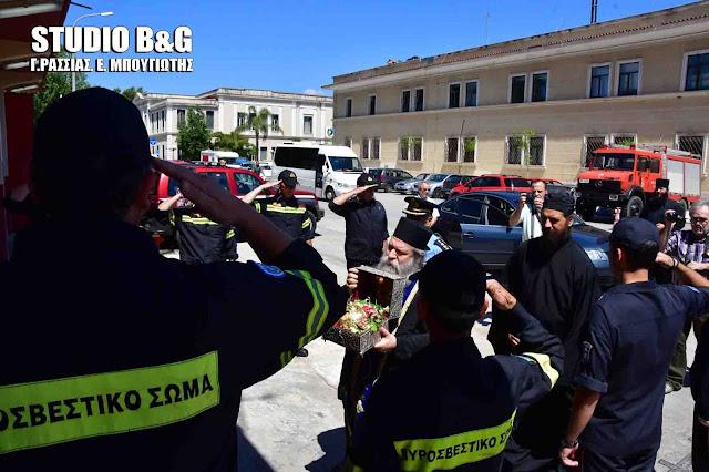 Στην Πυροσβεστική Υπηρεσία Ναυπλίου η Τιμία Κάρα του Οσίου Δαβίδ πριν αναχωρήσει από την Αργολίδα (βίντεο)