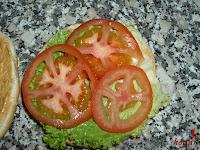 Añadiendo el tomate