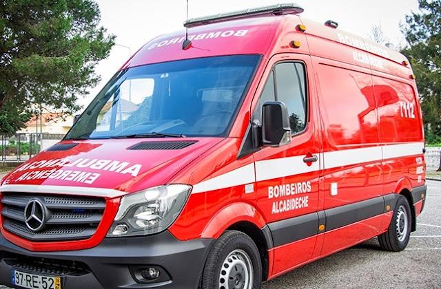 Bombeiros de Alcabideche acodem a traumatizado e a doente em Benfica