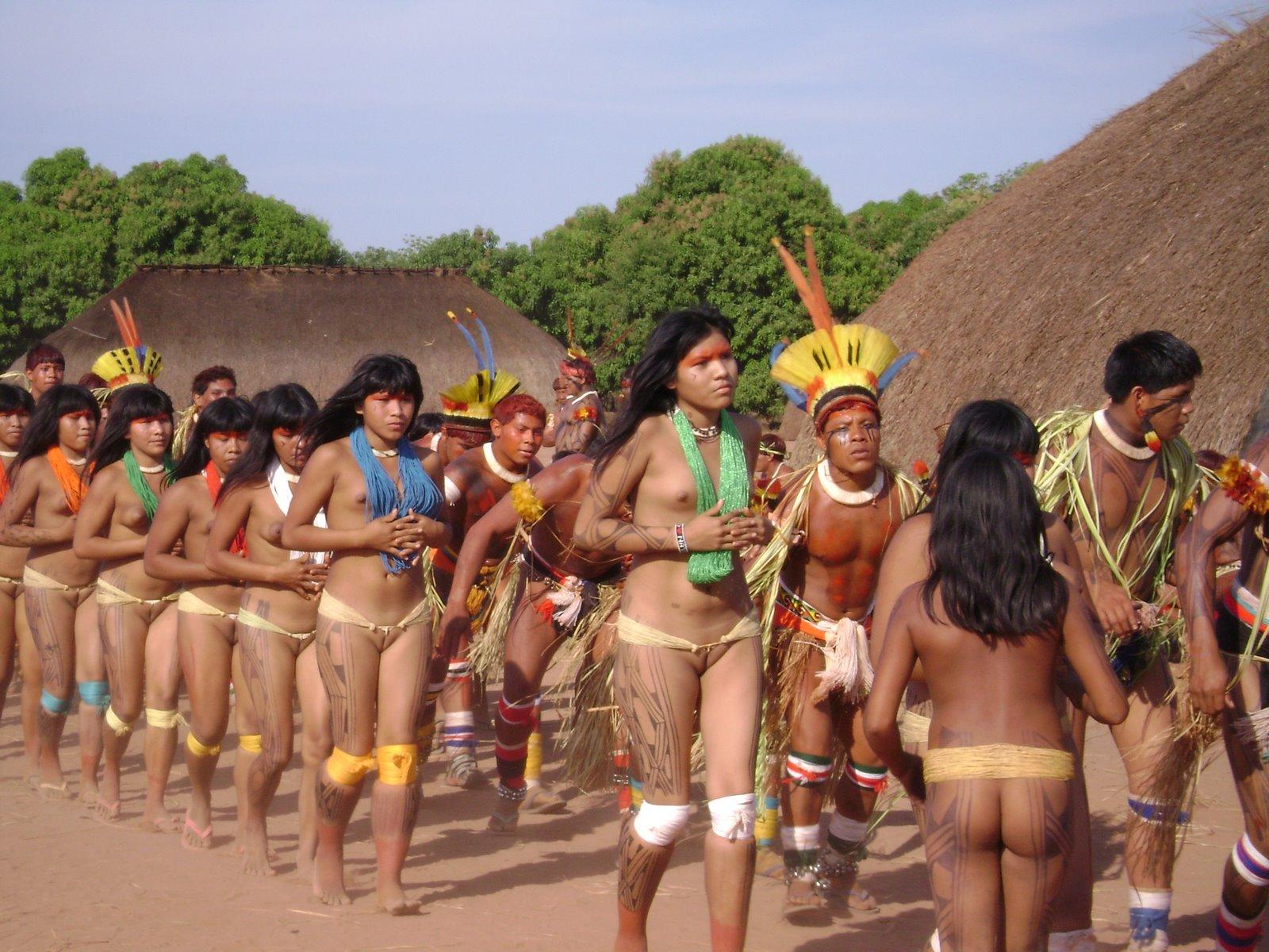 Does Yawalapiti tribe women nude apologise