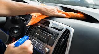 كيفية تنظيف السيارة من الداخل