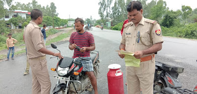 Sultanpur Police Checking Bikes Rto Papers News In Hindi Uttar Pradesh