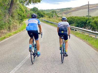 cycling Basilicata carbon road bike rental in Matera