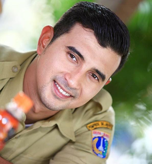 Biodata dan Profil Ali Syakieb