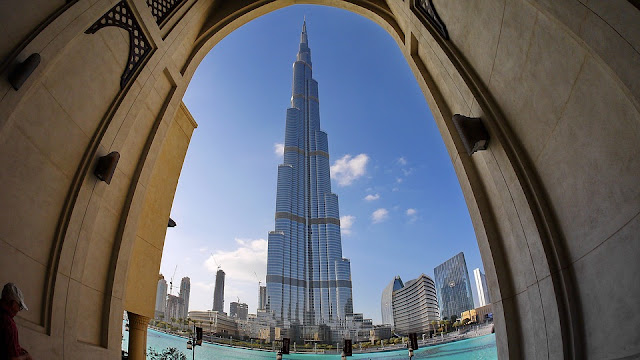 burj khalifa through fish eye lens