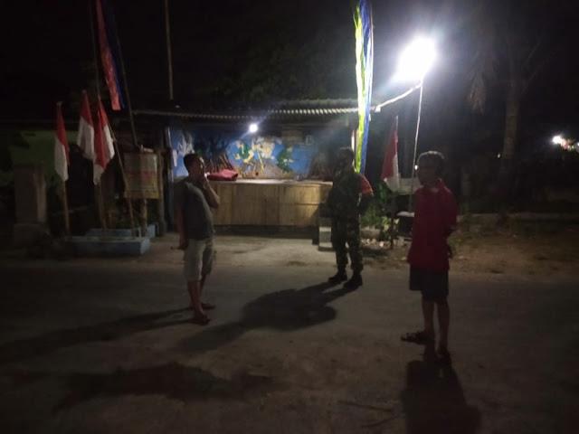 Jaga Kondusifitas Wilayah Babinsa Koramil Pedan Patroli Poskamling