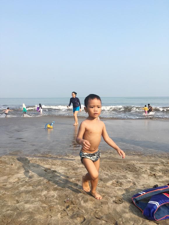 liburan-di-pantai-anyer