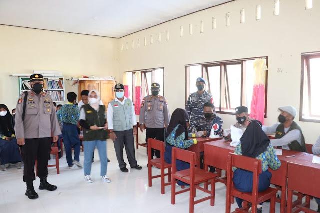 Polres Lingga Laksanakan Program Nasi Kapau di Desa Pekajang