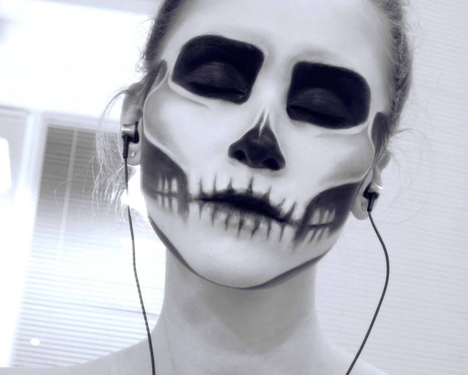 MAKEUPOWER: Classic Skull  Halloween Makeup - Classic Halloween Makeup