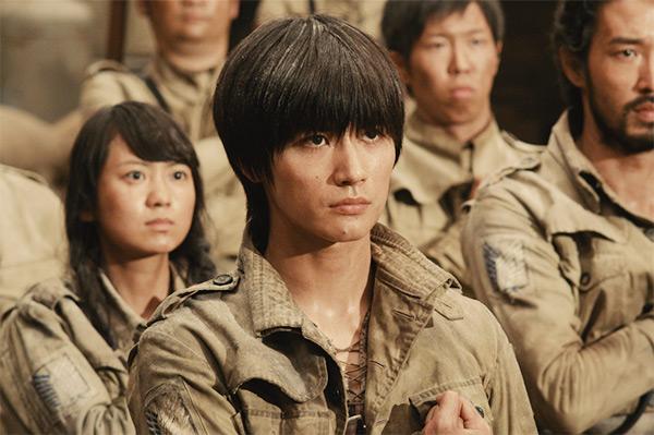 haruma miura sebagai eren dalam film attack on titan