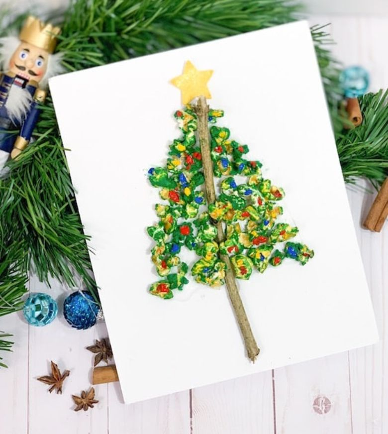 popcorn Christmas tree craft for kids