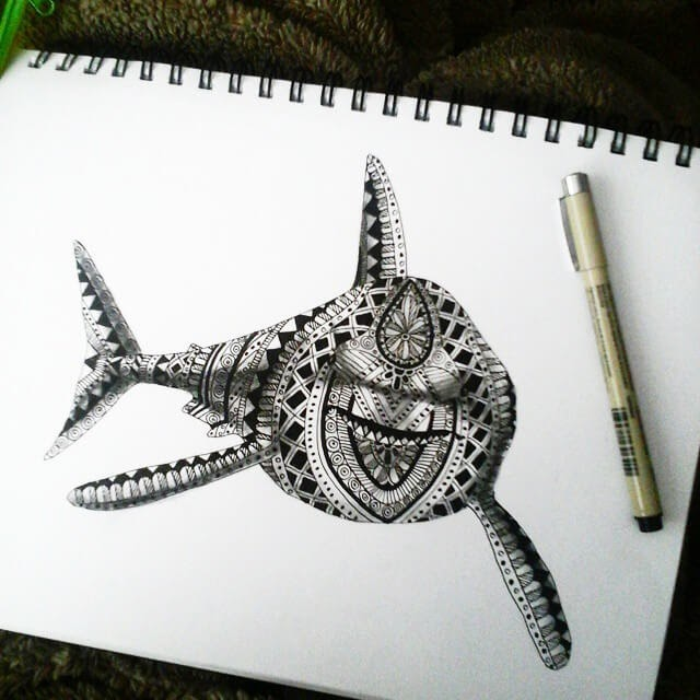 02-Shark-Savanna-Zentangle-Wild-Animal-Drawings-www-designstack-co