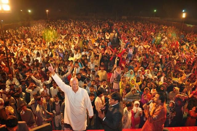 10.000 paquistaneses aceitam Jesus em uma noite