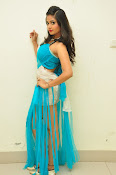 Shreya Vyas latest sizzling pics-thumbnail-20
