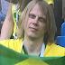 Torcedor com olhar assustador vira memes em jogo do Brasil