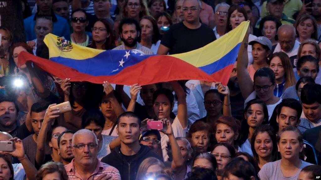La polarización en Venezuela se expresa en las calles, después que una ronda de diálogo en Noruega terminó esta semana sin acuerdo entre Nicolás Maduro y Juan Guaidó / AP