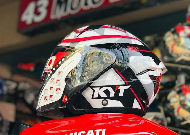 KYT NFJ Eleix Espargaro 2018