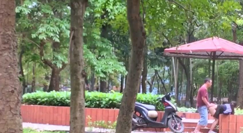 [Cemera] Kịch độc lếu lều tại công viên
