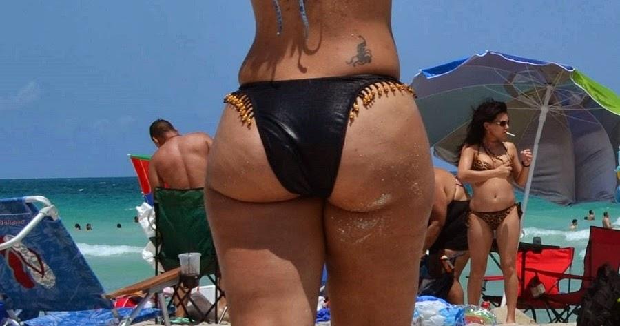 Culos Grandes En Bikini 80