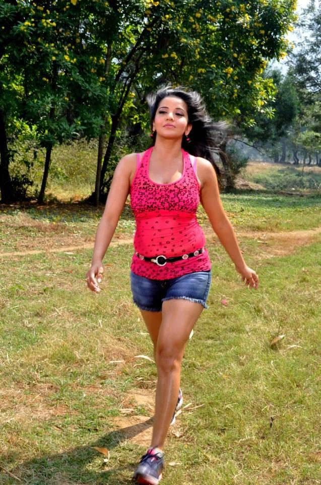 Saree Wali Girl Wallpaper Bhojpuri Hot Actress Monalisa Gallery