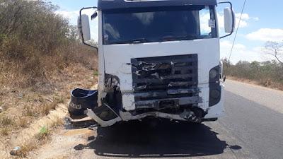 Image result for Policial militar morre após colidir carro com caminhão-pipa