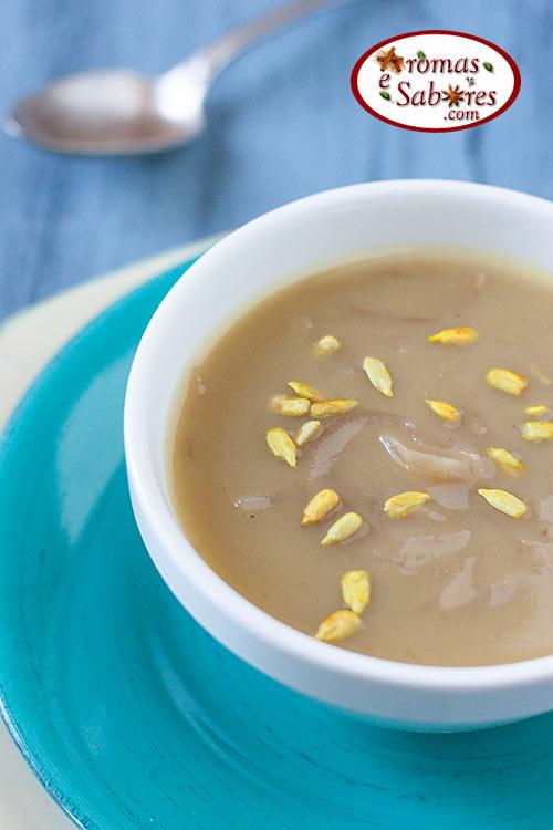 Sopa de cebola funcional com batata doce
