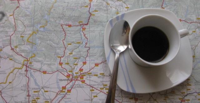 Planificant l'estiu amb un café