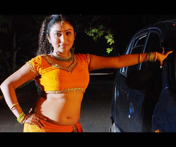 Mallu Serial Actress Archana Hot Navel Pictures,Photos