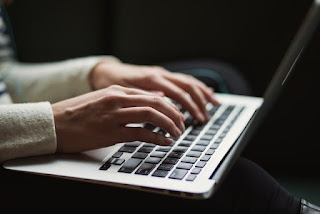 Typing on keyboard - bestaiding.com
