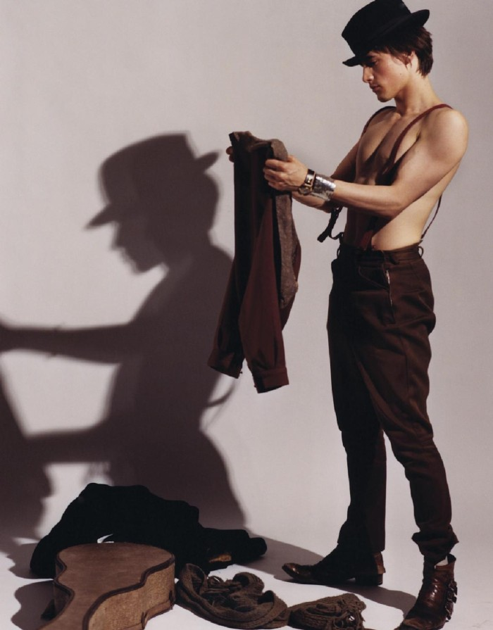 The Stars Come Out To Play: Reeve Carney - Shirtless