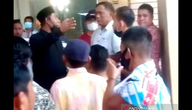 Warga Aceh Usir 39 TKA China yang Tak Bawa Visa Kerja