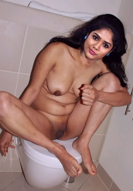 Darshana Das sitting full nude on toilet naked bathroom photo leaked
