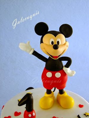 Mickey Mouse Topper cake