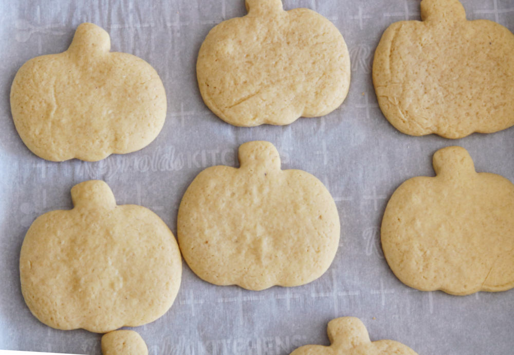 recipe-decorated-sugar-cookies-fall-holiday-easy