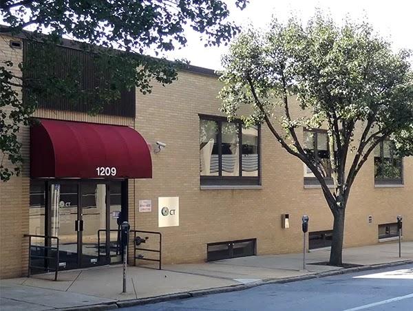 Tòa nhà văn phòng sang trọng này ở số 1209 Phố North Orange ở Wilmington, Delaware, là địa chỉ của khoảng 300 nghìn tập đoàn từ khắp nơi trên thế giới - nhưng không ai trong số họ thực sự có trụ sở tại đây. (Wikipedia)
