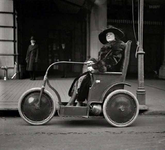Мизогинное французское слово шофёр. В языке Мольера нет слова шофёз. А