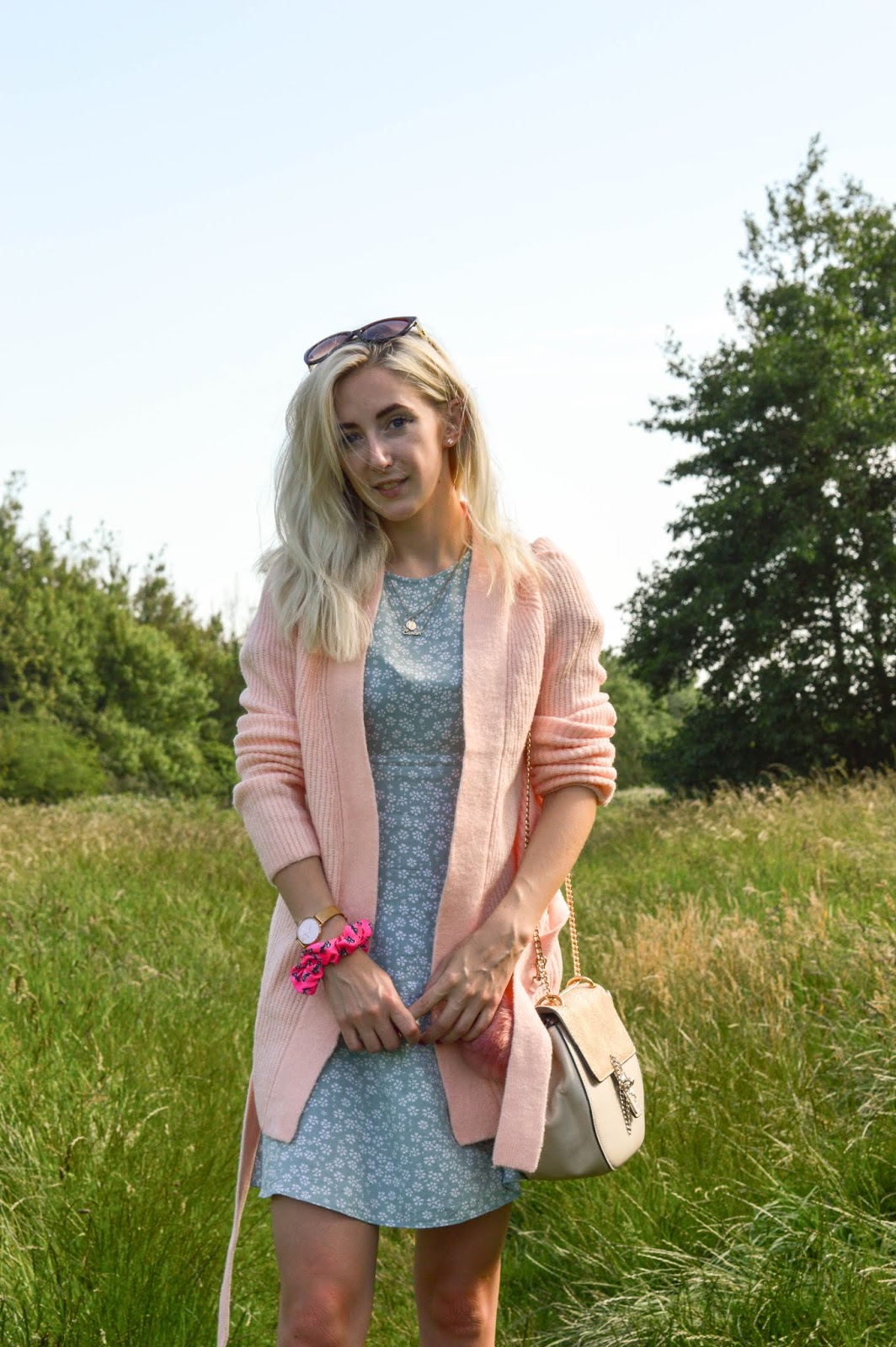 How To Wear Pastels In Autumn
