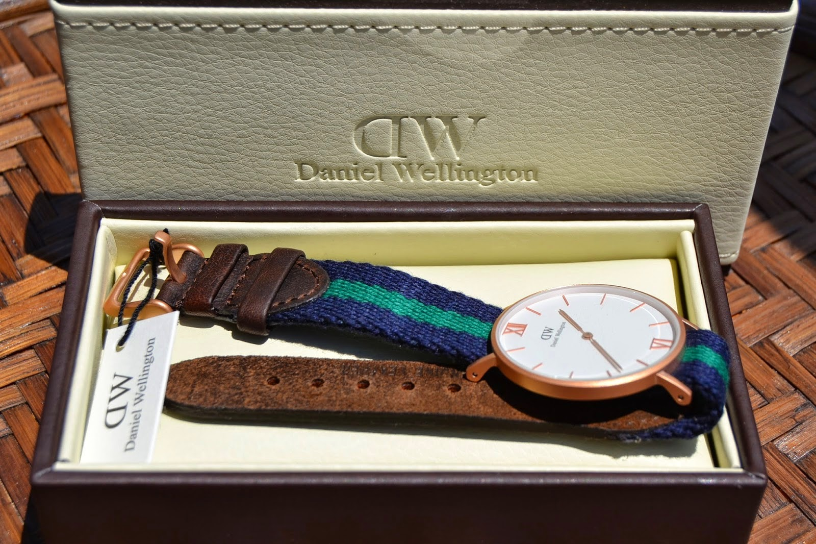 http://www.syriouslyinfashion.com/2014/06/daniel-wellington-grace-collection.html