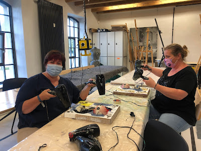 Steampunk Up-cycled Workshop with Stanislava Boudová (stanislavaart.eu) - we dry our pictures