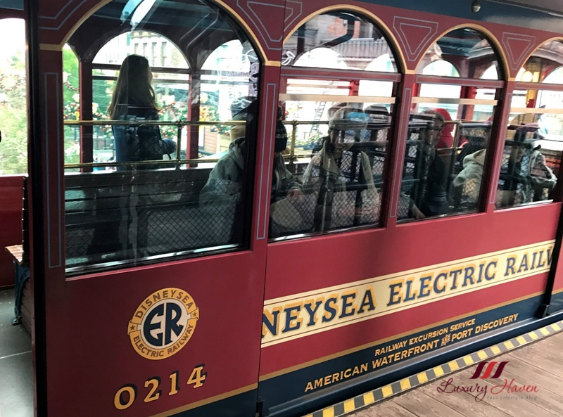 american waterfront disneysea electric railway
