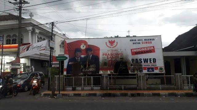 Baliho Prabowo-Sandi di Klaten Dibakar Orang Tak Dikenal