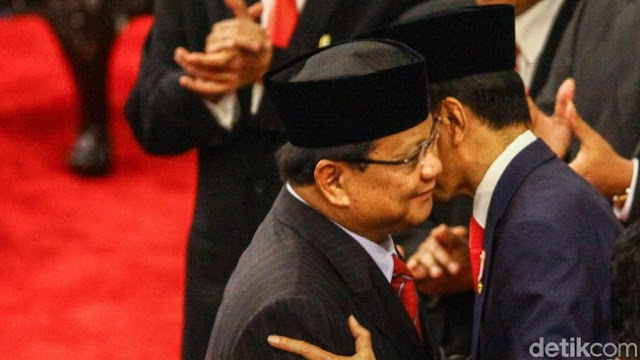 Membaca Alasan Jokowi Merangkul Prabowo