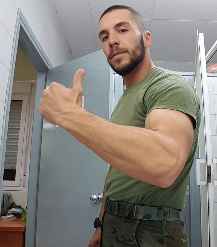 sexy-military-alpha-male-roommate-straight-top-bro