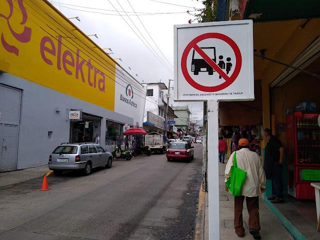 Taxistas no respetan señalamientos